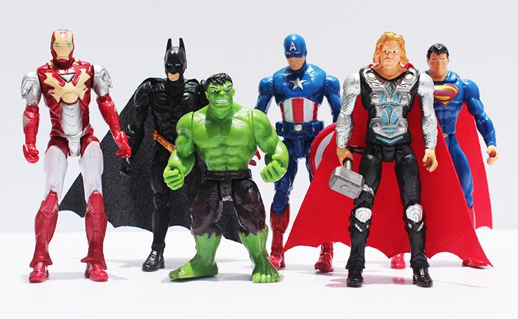 ACTION FIGURER OG SUPERHELTE