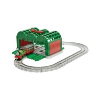 Thomas  Friends  Adventures Tidmouth Kennel Play Set (FDV71)